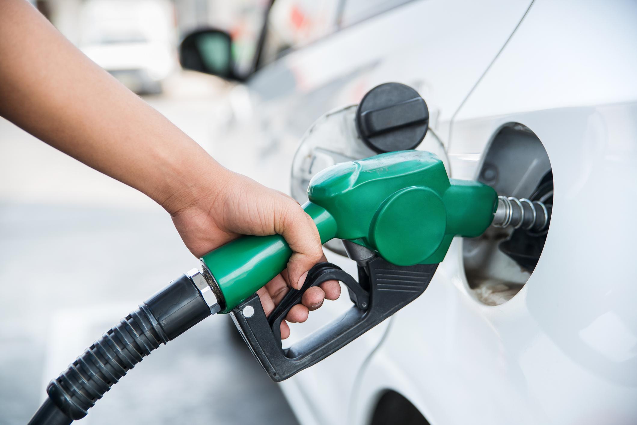 dicas como economizar gasolina e como melhor reabastecer seu veículo no dia a dia
